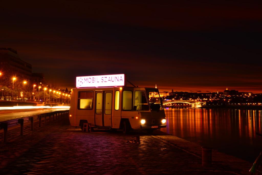 Nighttime sweat on the Danube