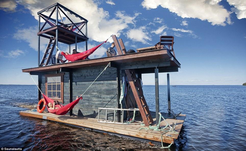 Saunalautta floating sauna